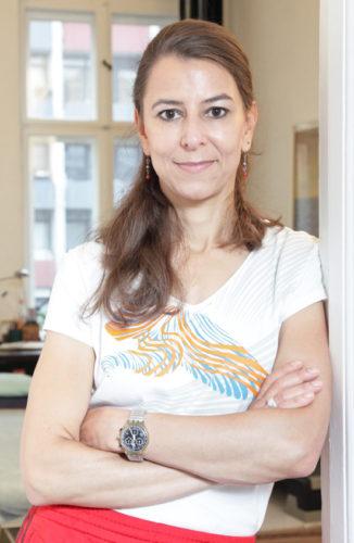 Mariam Hamouda, Mic